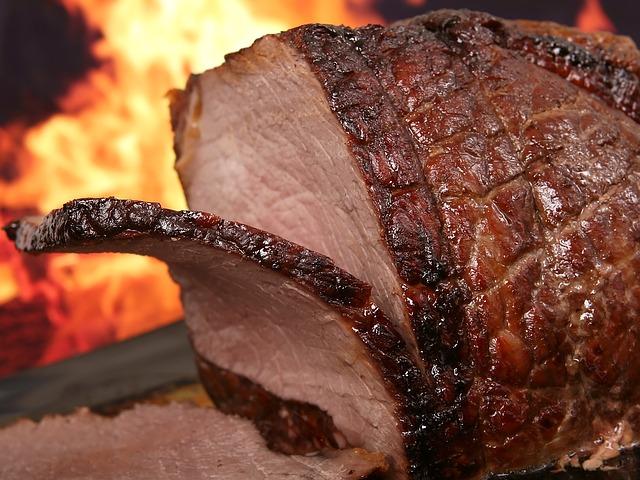 焼かれている肉