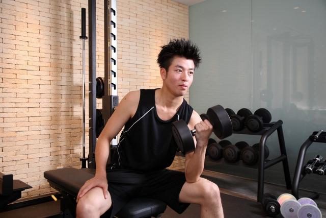 筋肉がつかない体質の男性
